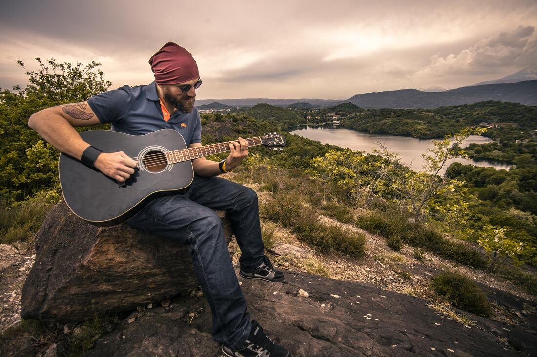 guitarist-407212.jpg